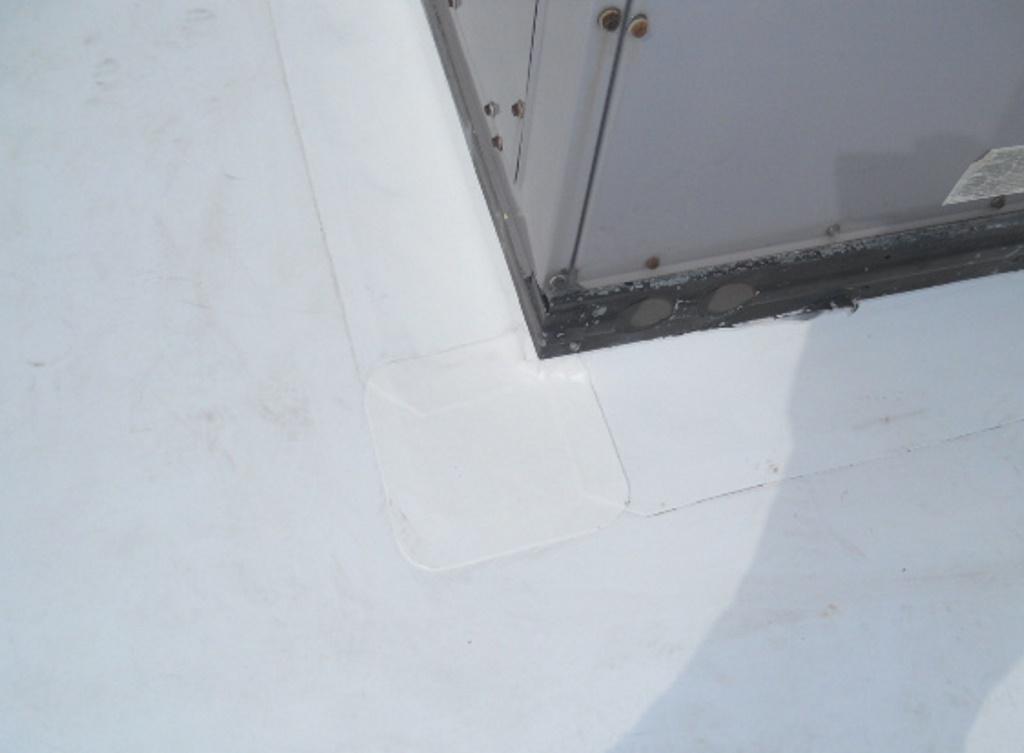 Detail on membrane / Detalle en membrana